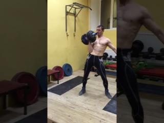 Тренировка вегана-сыроеда. Подъем гантели 42 кг с ручкой 62 мм