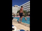 Energetic Instructor Dances To Single Ladies Beyonce | Water Aerobics