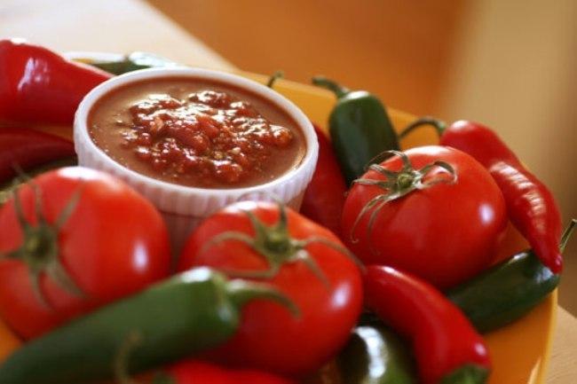 Острая закуска из помидор и хрена Для приготовления