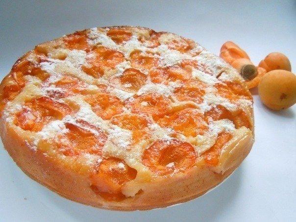 Пирог с абрикосами. Ингредиенты: стакан=250 мл. ●10-12 шт. маленьких абрикосов ●1.5