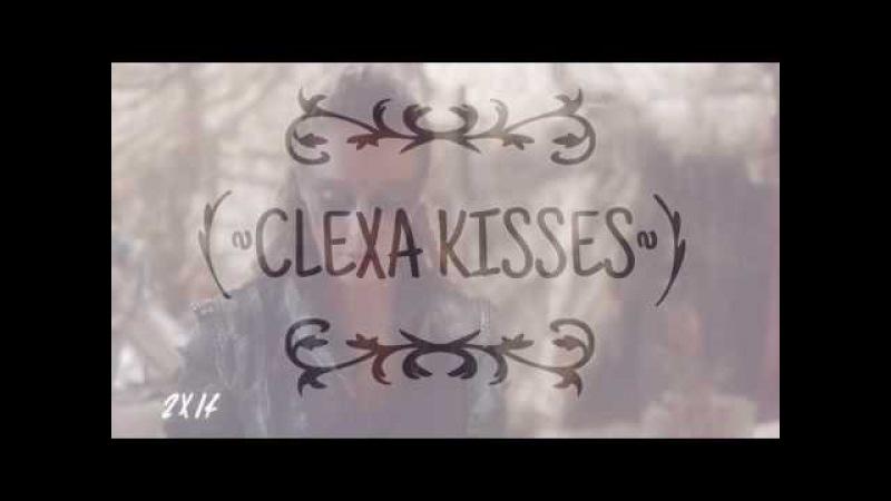 Clexa Kisses (ClarkeLexa)