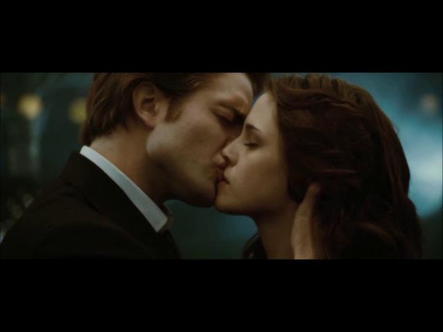 СУМЕРКИ. Сцены поцелуев Эдварда и Беллы из всех САГ.