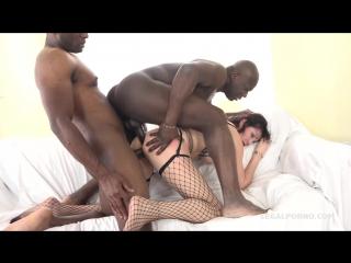 Sissy Neri - Italian Milf has black feeling and tests two black bulls