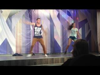 Танец Павла Шпорт и Лизы Макаровой на конкурсе Мисс и Мистер лицея 2016