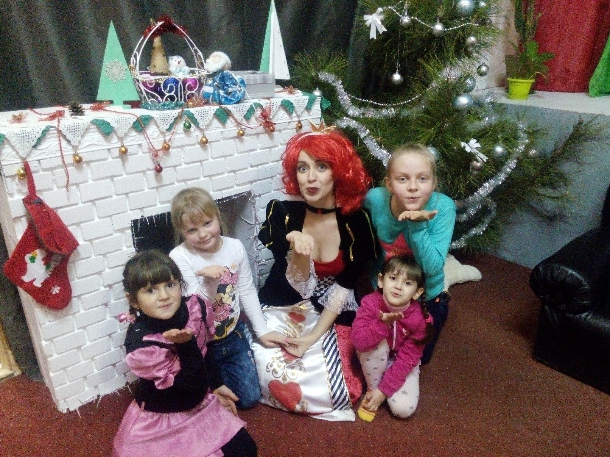 красная королева королева червей детский день рождения в стиле Алиса в стране чудес запорожье