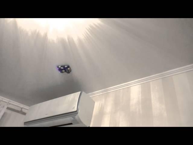 Машинка ездит по стене и потолку! / Антигравитационная машинка присоска стенолаз!