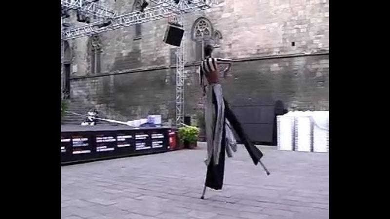 Jose Bertolero- Danzancos. Danza en Zancos. Stilt Dance