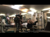 Мурад Алибегов жмёт 200 кг на 12 раз