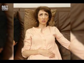 Когда смотришь с мамой сериал