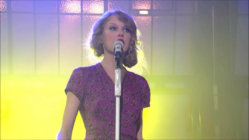 Taylor Swift - You Belong With Me (Live on David Letterman Show 2010)