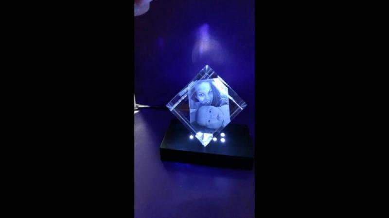 Стеклянный кубик с гравировкой внутри | Лазерная гравировка | Фото в стекле