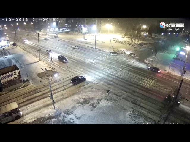 Пропустил поворот? Не Проблема.... ДТП Бийск на перекрестке ул. Коммунарский-Леннина 1.12.2016