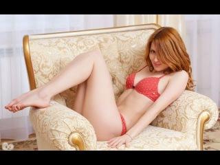 Голая порно актриса в чулках проститутки с красивыми сиськами и попой танцует жопой тверк дома домашнее видео порно секс