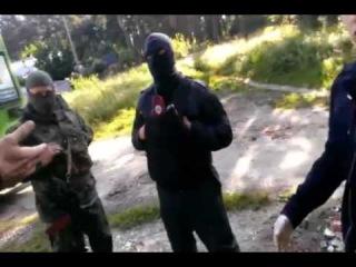 Напавшие на монастырь радикалы отказались показать свои удостоверения милиции.