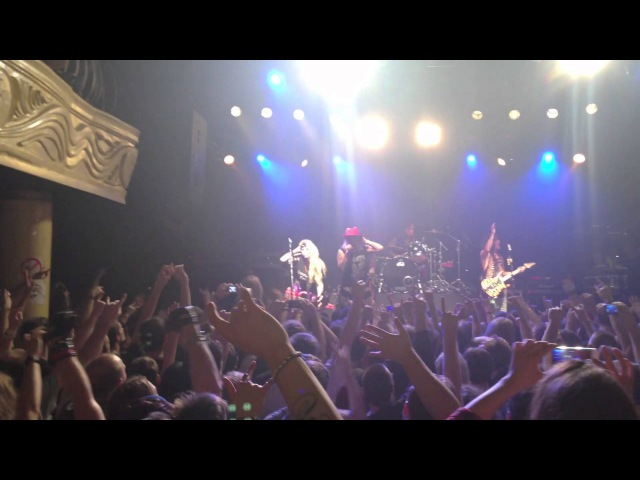 Steel Panther - Community Property (Live in Moscow, Teatr Club)