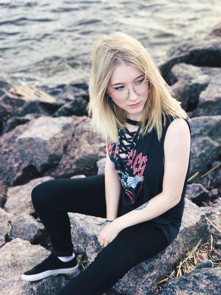 Настя Ленская, видеоблогер
