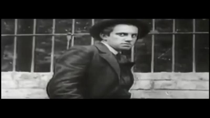 Mayakovskinin Göğe Çıkışı - Yiğit Tuncay