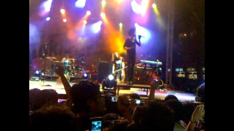 Tokio Hotel live in One Utama Malaysia 2010 Durch Den Monsun