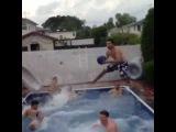 10 Man Pool Basketball Alley-Oop
