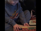Уайтт Олсен и его подарок на Рождество.