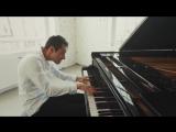 Венгерский пианист, композитор, саунд-дизайнер Петер Бенце (Peter Bence) исполняет песню Майкла Джексона