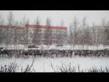 снег хлопьями