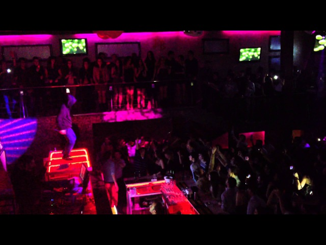 Carla's Dreams LIVE - Da-te-n chizda ma-tii @Club Skye Iasi