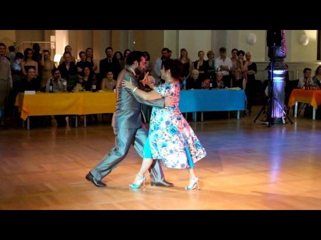 Грасиела Гонзалес и Леонардо Сарделла. выступление на ночной милонге (Фест Танго белых ночей-2016)