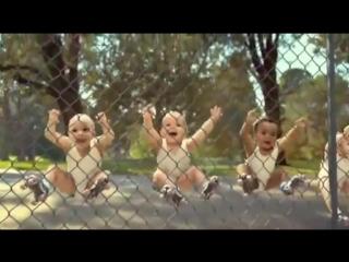 Дуже кумедні маленькі діти!