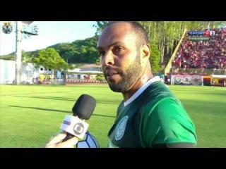 Alecsandro se emociona e chora na entrevista ao falar do seu gol