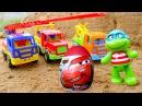 Vidéo en français pour enfants de jeux de sable déballage d'un œuf surprise