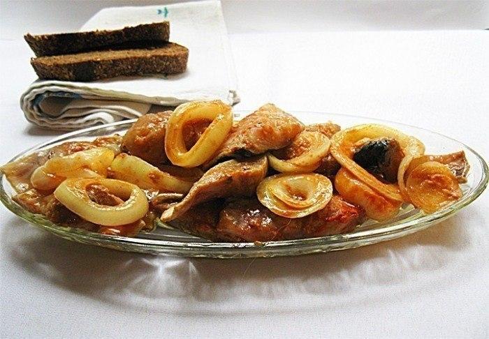 Сельдь по-корейски Ингредиенты: Сельдь свежая — 1 кг Лук репчатый