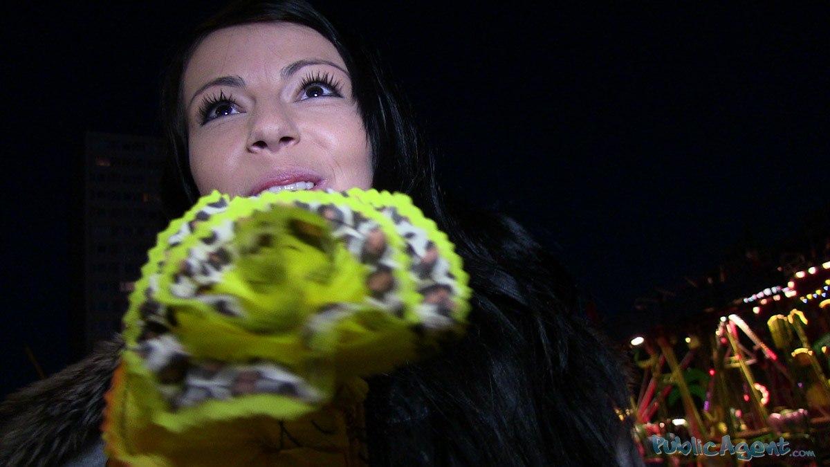 [PublicAgent] Kamila (Кончил на попку незнакомке)