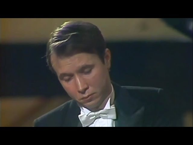 Mikhail Pletnev plays Debussy - Pour le Piano (live in Moscow, 1987)