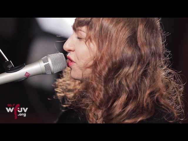 Regina Spektor - The Trapper and the Furrier (Live at WFUV)
