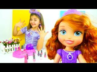 Sema ve Prenses #Sofia ile kız çocuk videosu. Bakım yapma oyunu, oje sürüyoruz!