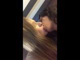 Daisy Stone целуется с Leone Sophia