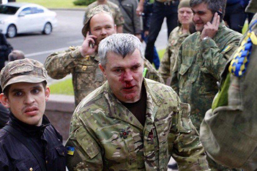 Смотреть порно онлайн генкрал на службе солдат ебет его дочь