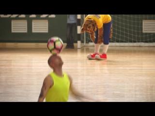 Выступление Немировского Руслана (футбольный фристайл)