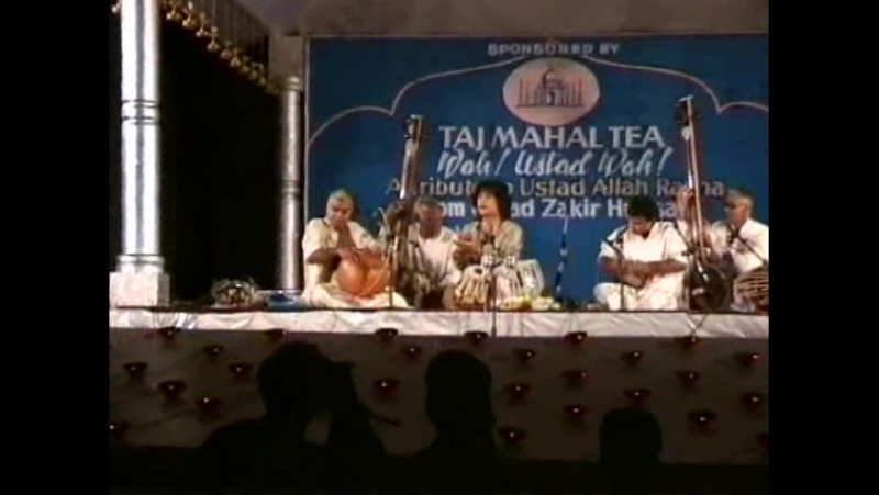 4 - drummers Tribute to Alla Rakha (Vikku Vinayakram,Zakir Hussain,Selva GaneshBhavani Shankar)