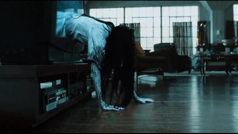 Выползает из телевизора. Звонок -1 (The Ring) (США 2002)