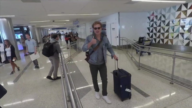 Outlander Star Sam Heughan Greets Fans At LAX