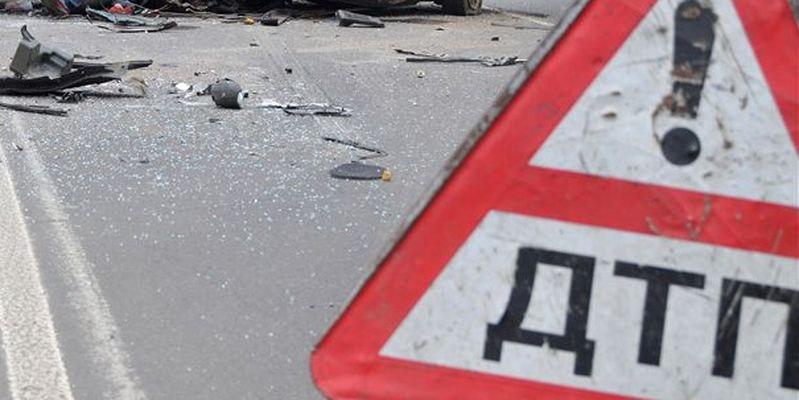 На выезде из Даусуза столкнулись два автомобиля