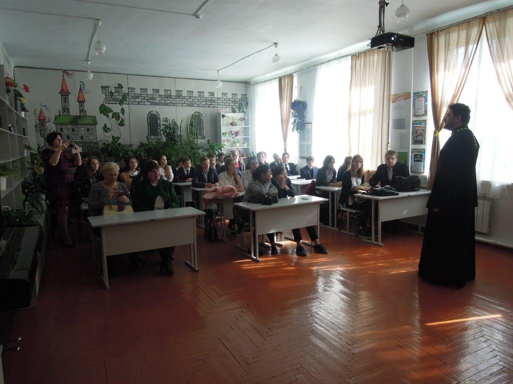 В клубе любителей истории станицы Зеленчукской обсудили итоги Октябрьского переворота 1917 года
