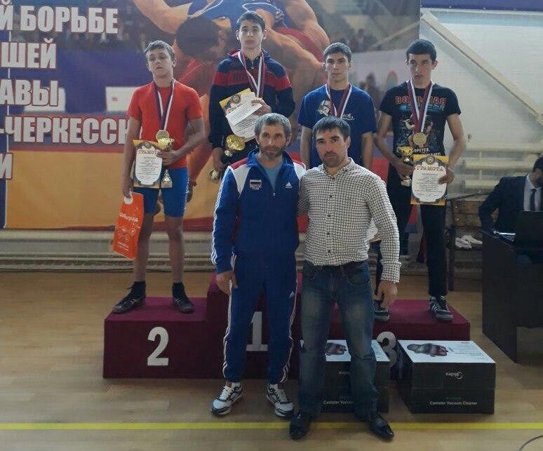 Борцы из Зеленчукского района призеры открытого турнира по вольной борьбе в Урупском районе
