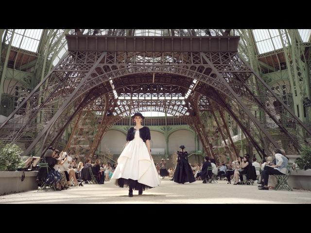 Fall-Winter 201718 Haute Couture CHANEL Show