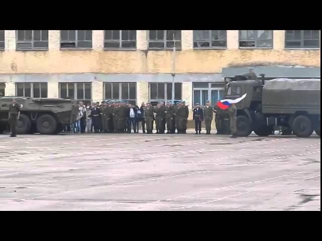 БТР переехал новобранца (Уссурийск 83-я бригада 12.06.14)