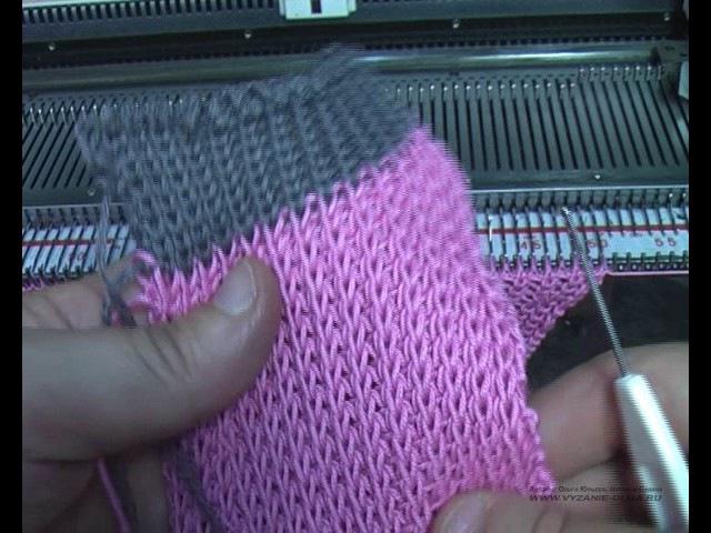 Горловина спинки на полуфанге. Машинное вязание.