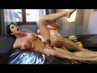 Порно сын массаж мамке сисек фото 531-470