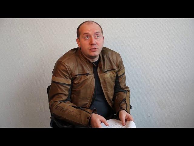 Серёжа Бурунов на роль Яковлева сцена из пилота (позже переснятая из-за несовпадения причёски)